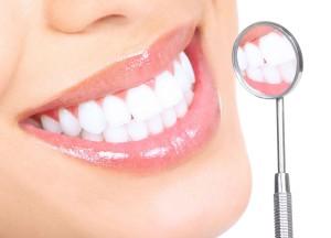 zubi+zub+ulibka+zdorovie+zubi+zubi+ulibka+belie+zubi+zubi+cheloveka+chistit+zubi+40488001044